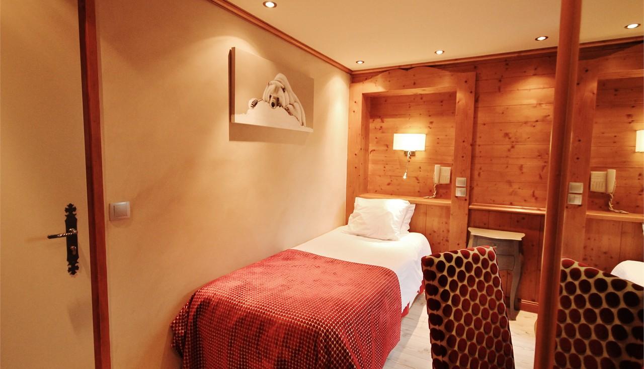 Hotel alpina chambre simple for Chambre simple